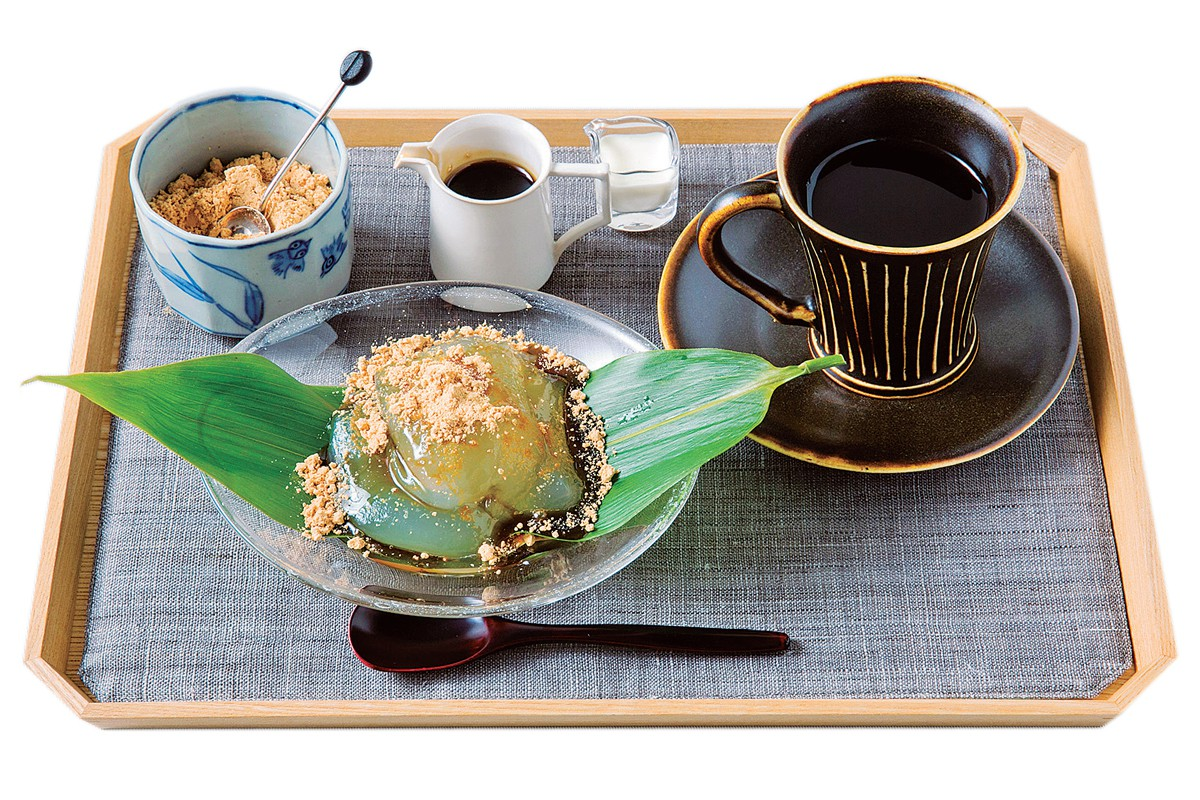 特製くずもち|和菓子とコーヒーで至福のひととき。京のモダンを味わう隠れ家カフェ【ZEN CAFE】