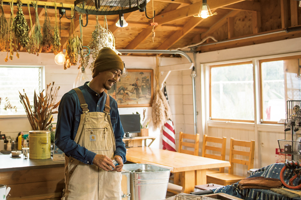 【空間演出術を学ぶ①】平屋とガレージとウッドデッキ……夢のオールドアメリカンな世界に暮らす。