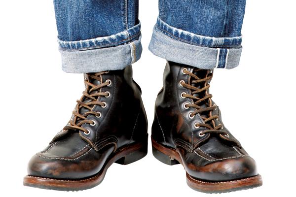 絶対に外さない! ブーツをクールに履きこなすためのデニム・ロールアップ術。