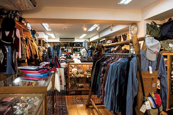 日本のアメカジファッションを支えて40年、誰もがココから教わった渋谷の名店「レッド・ウッド」。