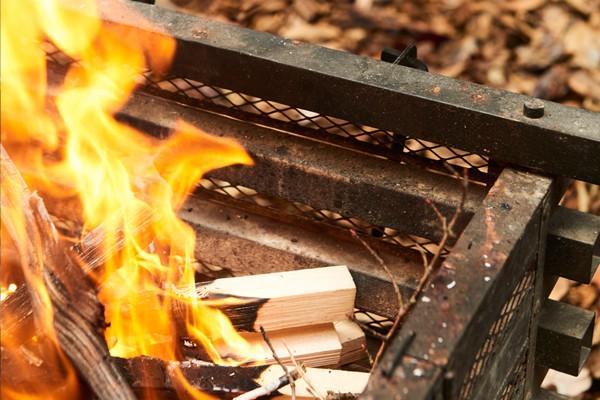 焚き火マイスターに教えてもらう失敗しない焚き火のイロハ