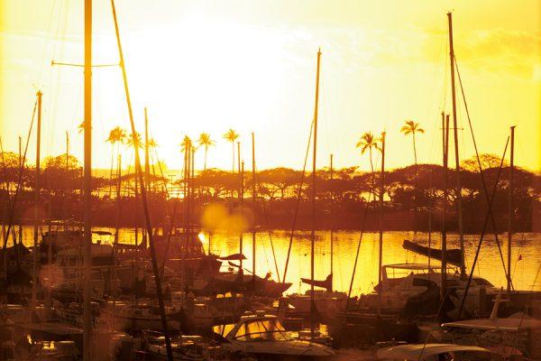 狙うはマジックアワー! ハワイの絶景サンセットが魅力の海沿いレストラン