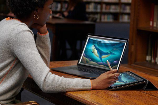 MacBookとiPadの両刀使いに朗報! 次期OSでiPadがサブディスプレイに
