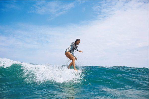 サーフィン講座|悩める女子サーファーいらっしゃい!Vol.1 ノーズライディング