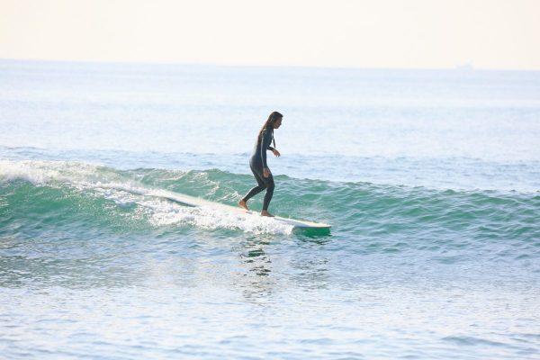 サーフィン講座|悩める女子サーファーいらっしゃい!Vol.6クロスステップ