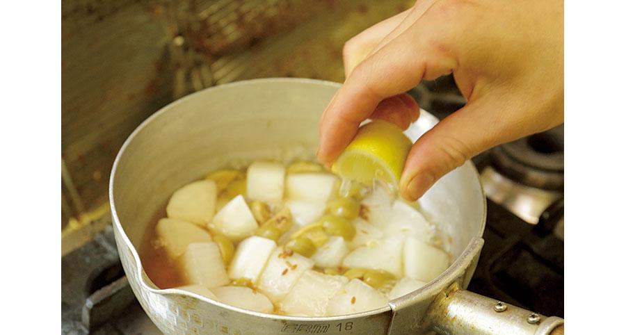 大根とオリーブの煮込み01