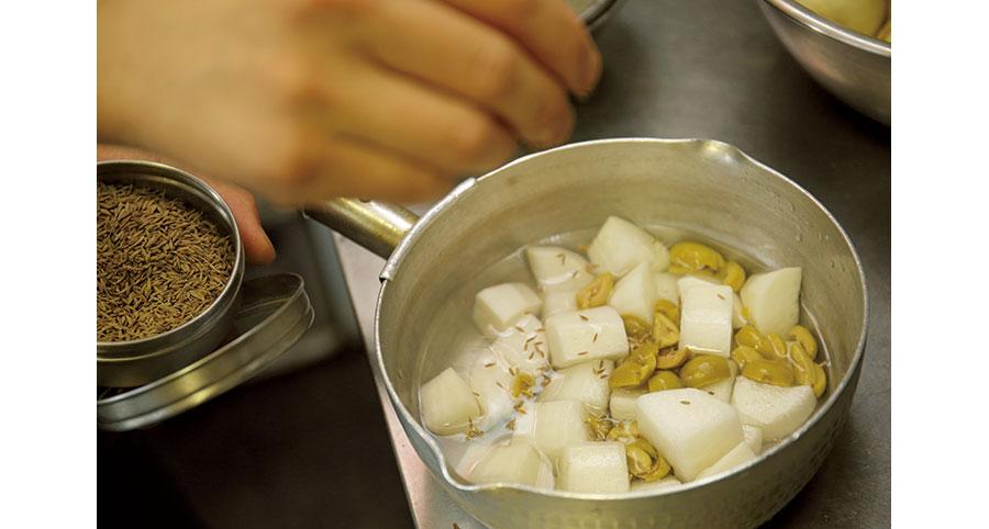 大根とオリーブの煮込み02