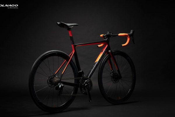 コルナゴのニューモデル「V3-RS」発表