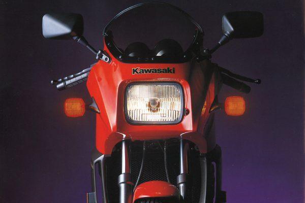 サイドカムチェーンがデザインの常識を変えた! KAWASAKI GPZ900R Ninja-PART2-