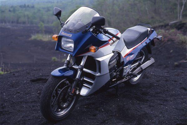 映画『トップガン』で一躍スターの仲間入り KAWASAKI GPZ900R Ninja-PART3ー