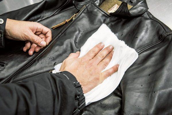 革ジャンの手入れ・カビ取り方法・洗濯クリーニング……エマージェンシー術を徹底解説!