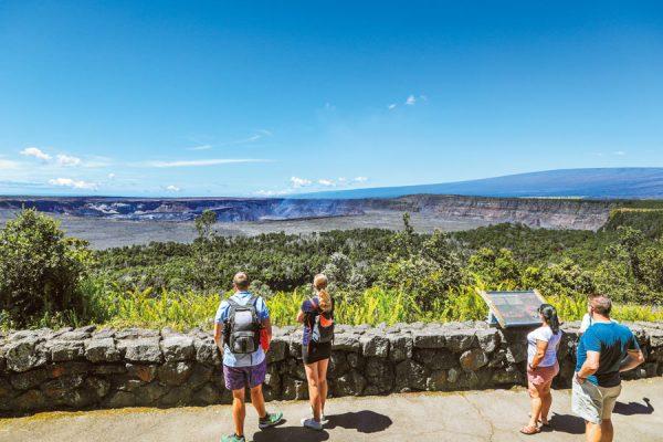 ハワイで絶対訪れたい火山スポット5選!噴火口や溶岩荒野など見どころ満載!