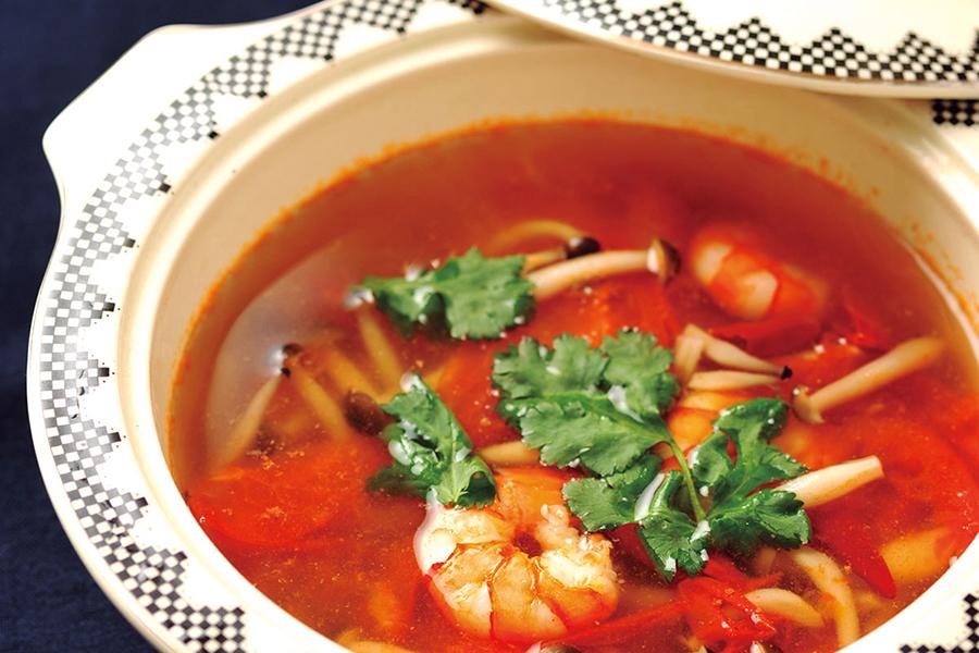 エビとトマトのエスニックスープ