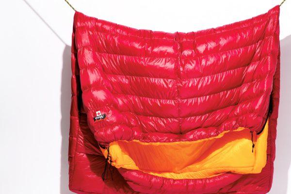 キャンプで快適な眠りを約束するベッド・マット・寝袋