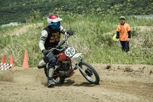 オフロードに特化したバイク「VMX(ヴィンテージモトクロス)」って何だ?