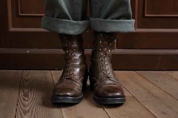 6インチと9インチのブーツに最適な丈は? ハイトに合ったロールアップ術を教えます。