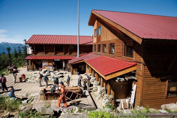 「西穂山荘」北アルプスの山小屋完全ガイド