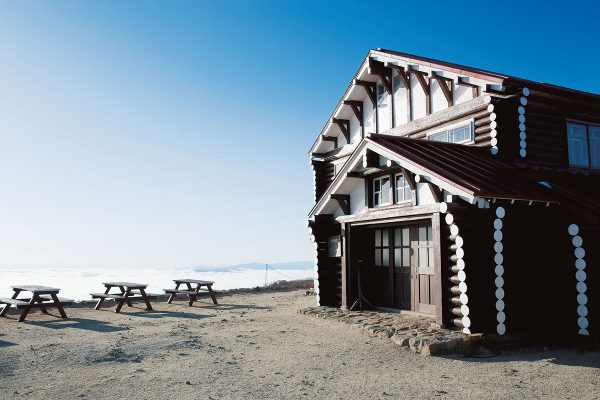 「燕山荘」北アルプスの山小屋完全ガイド