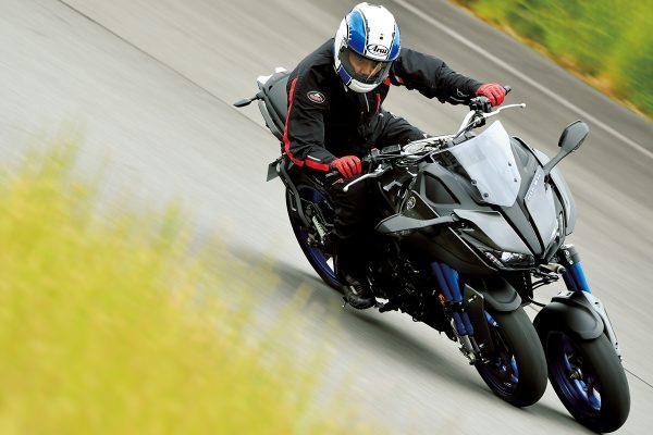 「YAMAHA NIKEN(ヤマハ・ナイケン)」~スポーツバイクの新しい可能性~【R/C インプレッション】