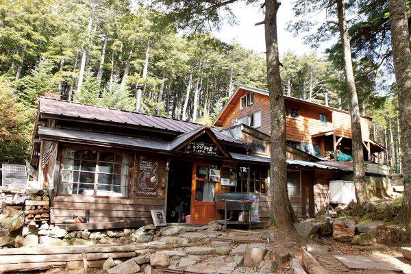 「しらびそ小屋」日本山小屋完全ガイド