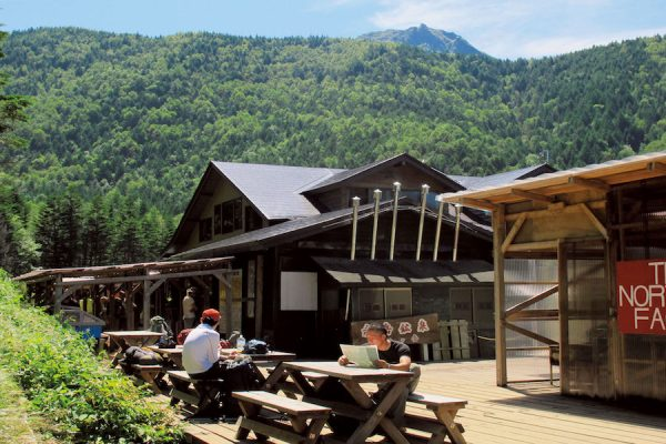 「赤岳鉱泉」日本山小屋完全ガイド