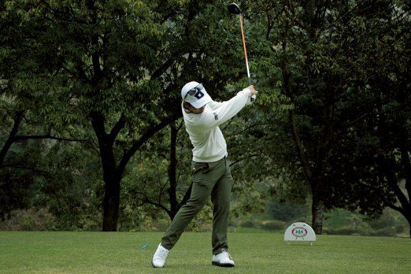 浅地洋佑のゴルフスイングに学ぶ飛距離を伸ばすドライバーショット