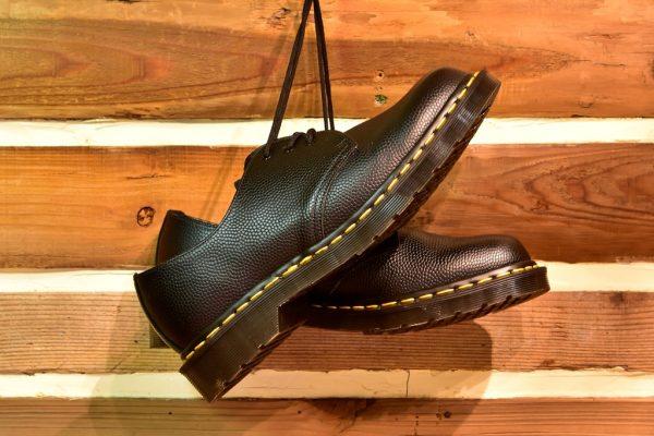 Dr.Martens(ドクターマーチン)の定番からレアものまで人気革靴7選。|名靴カタログ