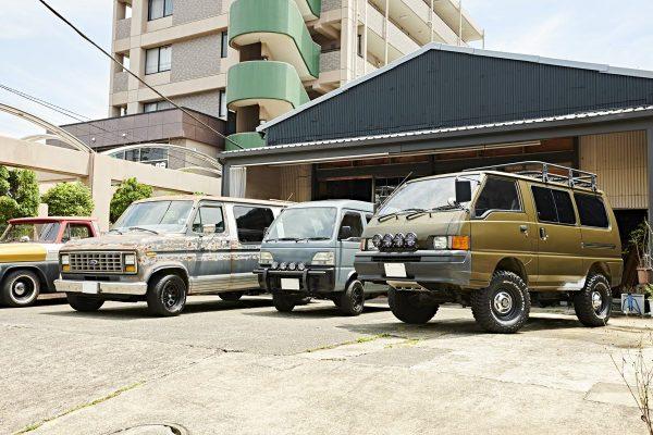 商用車としてのバンを、とことんカッコよくカスタムしたデザイン会社の作業車がスゴイ。