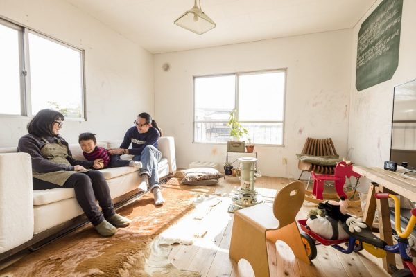 【お手本にしたい家づくり①】築40年の廃屋を自分たちで改装したミリタリーテイストの家。
