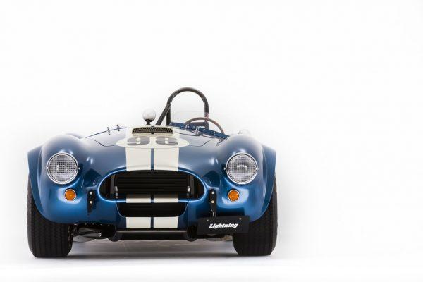 1962~'67年の短命だったACコブラを復元した、カーカム社の「コブラ289」に注目!