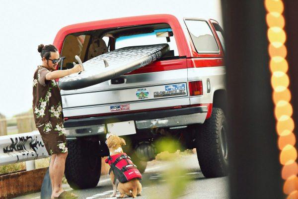 犬とボードを快適に乗せられる! フルサイズSUV「シボレー K-5ブレイザー」。