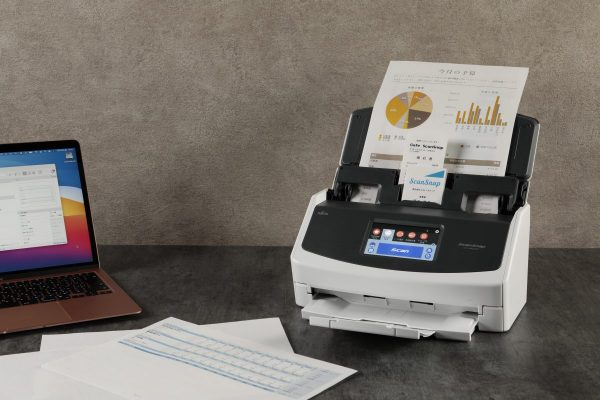 ScanSnapに新型iX1600登場。40枚/分の超高速。紙のデジタル化に不可欠