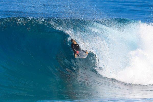 サーフィンには欠かせないウェットスーツ。世界一の着心地とは?| PART1