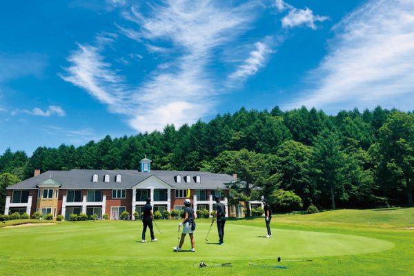 サニーカントリークラブ(長野県)「上がりホールのプレーヤーをワイン片手に眺める贅沢」