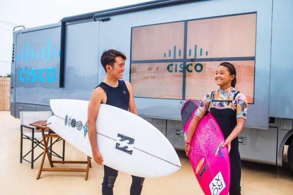 日本初のサーフィンスタジアムの採点システムを支える、シスコのテクノロジー