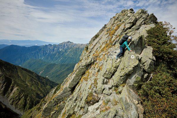 抜き足、差し足、大キレット・後編|槍ヶ岳を眺める……余裕は一体どこへ?