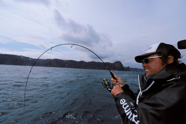 北海道・積丹半島美国沖でのスーパーライトジギングで驚異的な釣果を達成!【前編】