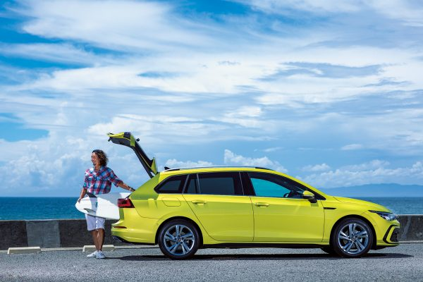 【Volkswagen】サーファーが注目する、新型ゴルフヴァリアントはこんな車!